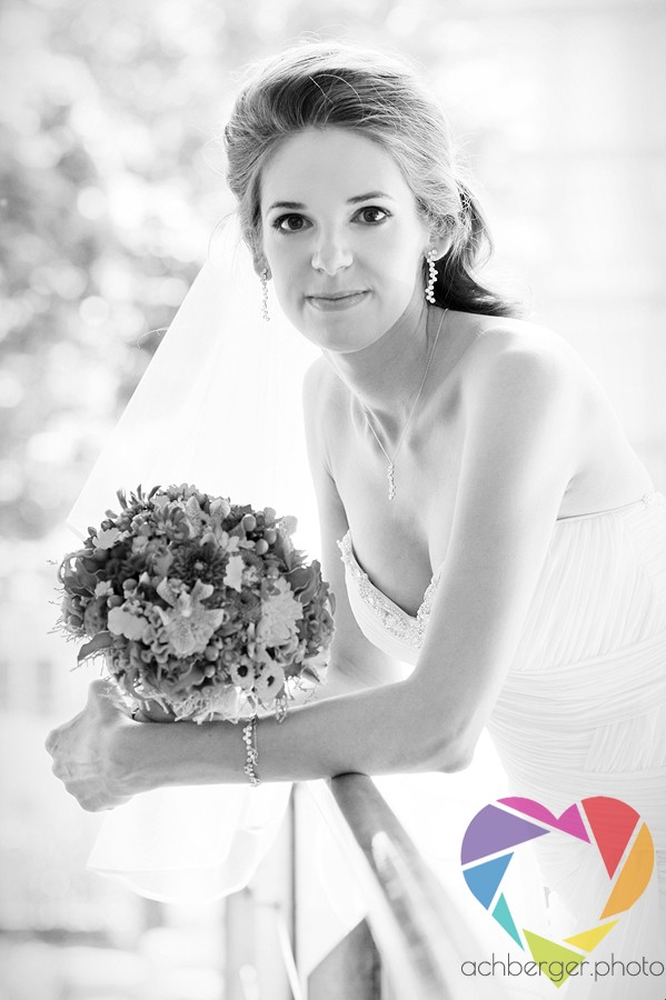 wedding bride portrait flowers